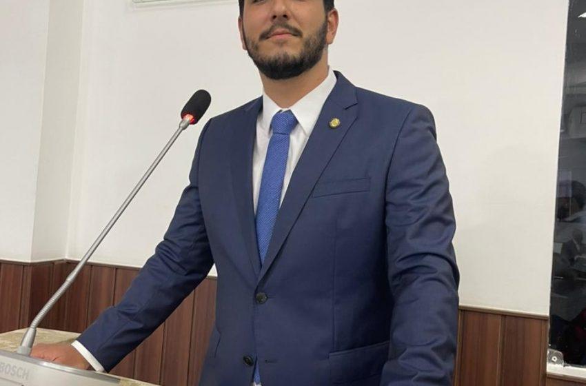Vereador Pedro França aprova projeto que inclui farmacêuticos, hospitalares e vendedores de produtos médicos no grupo prioritário de vacinação contra a COVID- 19