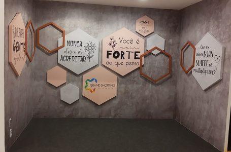 Grand Shopping leva mensagens de otimismo em espaço instagramável aberto ao público