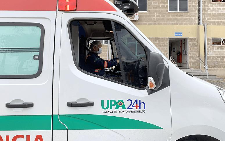 Vidas sobre rodas: a rotina de quem atua nas ambulâncias das UPAs em meio à pandemia