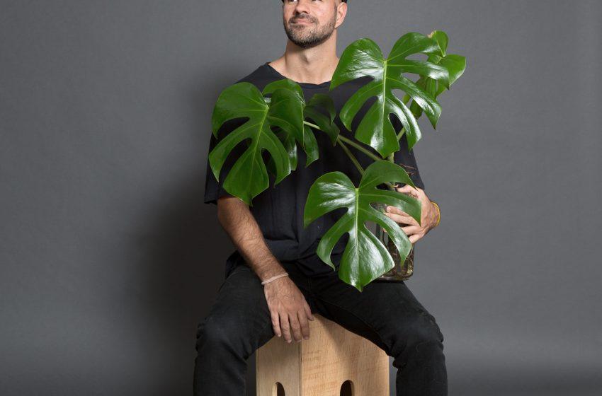 """Autor do best seller """"A Moda Imita a Vida"""", André Carvalhal abre a série de palestras do Mundo Unifor 2021"""